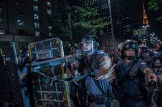 PM censura jornalistas em São Paulo: Para com essa mania de filmar polícia