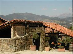 La Casa de Las Chimeneas - den gamle gård har fået ny indretning og danner rammen om den lækker feriebolig af højeste kvalitet! www.feriebolig-spanien.dk/2708