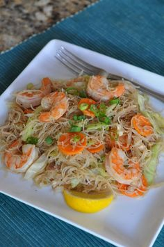 Filipino food: Pancit (Stir-fry Noodles with veggies and shrimp) #Fried #Veggies #FriedVeggies