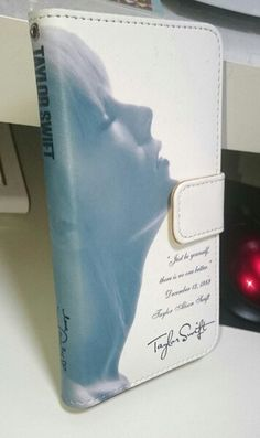 Taylor Swift smartphone cover front