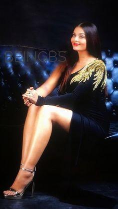 Aishwarya Rai Cannes, Aishwarya Rai Pictures, Actress Aishwarya Rai, Aishwarya Rai Bachchan, Bollywood Actress, Beautiful Girl Indian, Beautiful Saree, Beautiful Indian Actress, Hot Actresses