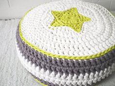 Green/White/Gray Crochet Floor Cushions Ottoman von LoopingHome