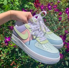 Deadstock nike air force 1 easter egg edition excellent picture of easter egg coloring page Zapatillas Nike Air Force, Nike Af1, Souliers Nike, Sneakers Fashion, Fashion Shoes, Sneakers Nike, Fashion Fashion, Girls Sneakers, Nike Fashion