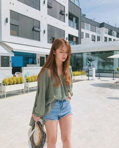 Image may contain: 1 person, standing, shoes and outdoor Pretty Korean Girls, Cute Korean Girl, Ulzzang Fashion, Korean Fashion, Cute Fashion, Fashion Outfits, Women's Fashion, Jeans Fashion, Ulzzang Korean Girl