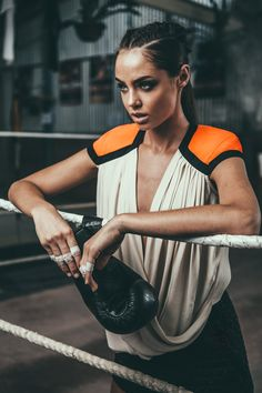 Cameo the label now at divergence clothing persons - бокс девушки, женский бокс Fashion Shoot, Sport Fashion, Look Fashion, Fitness Fashion, Fashion Women, Fashion Trends, Boxing Girl, Women Boxing, Female Boxing