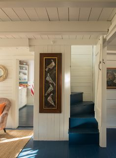 uploaded by cyndi Nantucket Cottage, Cozy Cottage, Cottage Homes, Cottage Style, Seaside Cottage Decor, Nantucket Beach, Cape Style Homes, Tiny House Stairs, Cottage Interiors