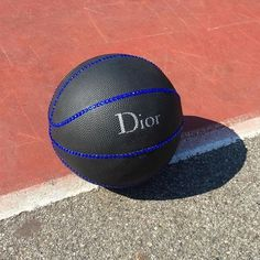new style b476a 63ca9 Basketball To Buy