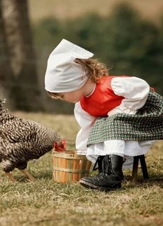 Children and their Animals For Kids, Farm Animals, Cute Animals, Precious Children, Beautiful Children, Country Farm, Country Girls, Country Bumpkin, Cute Kids