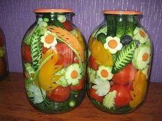 Pickled Veggies (Art in a jar) Fermentation Recipes, Canning Recipes, Salad Design, Deco Buffet, Brunch, Fermented Foods, Food Humor, Fruit And Veg, Base Foods