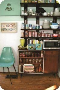 cozinha pequena e retrô