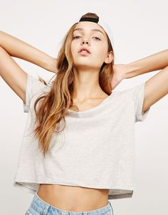 Bershka France - T-shirt BSK cropped ouvertures