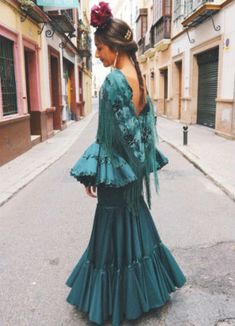 Couture Fashion, Runway Fashion, Womens Fashion, Party Fashion, Fashion Show, Fashion Design, Spanish Woman, Mexico Style, Spanish Fashion