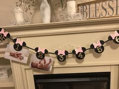 Minnie Mouse Birthday Decorations, Minnie Mouse First Birthday, 1st Birthday Party For Girls, 1st Birthday Banners, Girl Birthday Themes, Little Girl Birthday, 3rd Birthday, 12 Month Photos, Happy 1st Birthdays