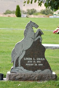 Horse headstone for Linda Chan Cemetery Monuments, Cemetery Headstones, Old Cemeteries, Graveyards, Tombstone Epitaphs, Unusual Headstones, Pet Cemetery, Danse Macabre, Grave Markers