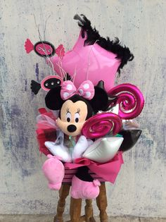 50 Ideas Birthday Balloons Bouquet Mickey Mouse For 2019 Best Gift Baskets, Girl Gift Baskets, Themed Gift Baskets, Balloon Lanterns, Love Balloon, Balloon Gift, Balloon Arrangements, Balloon Centerpieces, Balloon Decorations