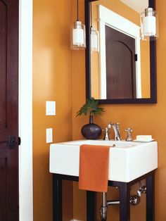 Put a new spin on freshening up with a guest bathroom redo. five petite retreats with punch display dramatic color, texture, and tile for big impact in a small space Copper Colour Scheme, Bathroom Colors, Bathroom Ideas, Bath Ideas, Tiny House Movement, Diy Network, Half Baths, Home Remodeling, Home Improvement