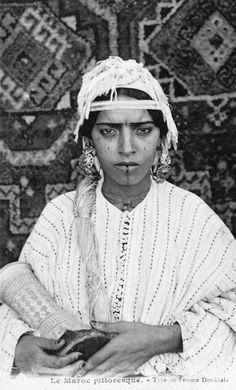 "Africa | ""Type de femme Doukkala. Maroc"" ca. 1914 || Vintage postcard; photo P. Gréber"