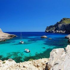 Comparateur de voyages http://www.hotels-live.com : Voyager ça fait vivre. Cest comme lamour. Paul Zumthor #Majorque #voyageprivefrance #trip #tourisme #upgrade #travel #voyage #voyageprive #holiday #discover #seetheworld #instagram #instatravel #instavoyage #traveling #vacation #lovetravel #beautiful #beach #sea #sun #dream #evasion #detente #break #nature #underwater Hotels-live.com via https://www.instagram.com/p/BE_BN3jhMqt/ #Flickr via Hotels-live.com…