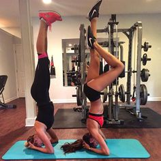 Morning Savannah !! Before work comes the workout !! Are you ready for #BodyByIza workout @kellyrohrbach ? Bom dia Savannah!! Antes do trabalho vem o treino!! @kellyrohrbach você está pronta para o treino #BodyByIza ? #georgia #savannah #workout #body #fit #focus #dedication #motivation #justdoit by iza_goulart