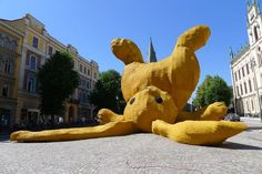 The Big Yellow Rabbit | feel desain  Read More : http://bit.ly/MChuf0