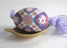 I make these - but only for myself and friends. I find it very calming. Ukrainian Easter Eggs, Egg Art, All Things Purple, Eggshell, Egg Decorating, Traditional Design, Calming, Holiday Crafts, Ukraine