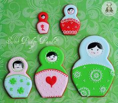 Russian doll cookies (use food pen for face) Gingerbread Man Cookie Cutter, Cookie Cutters, Russian Cookies, Shes My Cherry Pie, Vintage Baking, Doll Party, Matryoshka Doll, Handmade Copper, How To Make Cookies