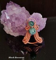Black Baccarat Jewellery: Ciondolo wirewrapped in Rame con perle di Diaspro . Wire Necklace, Wire Jewelry, Jewelery, Necklaces, Wire Wrapped Pendant, Wire Wrapping, Jewelry Making, Pendants, Rings