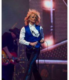 #michaelmonroe #remuandthehurriganes #hanoirocks #rocker #rock #rockandroll #finland #newyear #newyear2017 #helsinki