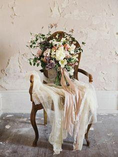 Whimsical Flowering Branch Bouquet | Laura Gordon Photography | http://heyweddinglady.com/20-bouquets-spring-garden-wedding/