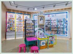 Zona infantil de la Farmacia I+ diseñada por Marketing-Jazz. Ilustraciones de Inés Moreno