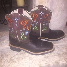 Ariat FATBABY Boots Size 9.5 NWOT These FATBABY boots by Ariat have never been worn and are in perfect condition! Smoke free home. Ariat Shoes Ankle Boots & Booties