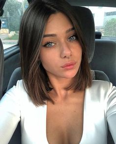 12 Amazing Blunt Bob Hairstyles You'd Love to Try This Year! 12 Amazing Blunt Bob Hairstyles You'd Love to Try This Year! 12 Amazing Blunt Bob Hairstyles You'd. Pelo Midi, Blunt Bob Hairstyles, Short Blunt Haircut, Brown Bob Haircut, Brown Lob Hair, Dark Brown Short Hair, Layered Short Hair, Long Blunt Bob, Short Short Hair