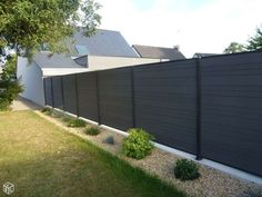 Gorgeous Black Wooden Fence Design Ideas For Frontyards 05 backyard design diy ideas Front Yard Fence, Fence Gate, Fence Panels, Diy Fence, Cedar Fence, Fence Ideas, Backyard Fences, Garden Fencing, Backyard Landscaping