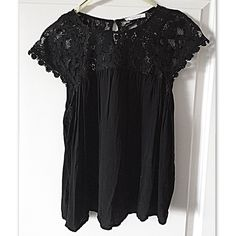 Lucid Pink Floral Lace Loose Fit Top Adorable top in excellent condition (the plastic hanger tags were cut out but that does not effect the shirt at all) Medium but could fit size small too Lucid Tops