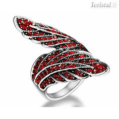 Bague en alliage plaqué or blanc et stras rouge forme feuilles Plaque, Silver Jewelry, Gemstone Rings, Wedding Rings, Engagement Rings, Jewels, Crystals, Crystal Ring, White Gold