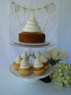 Have a Mega Cupcake at your wedding!