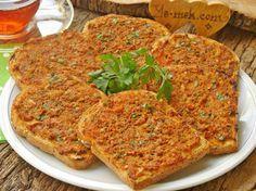Fırında Kıymalı Ekmek Dilimleri Resimli Tarifi - Yemek Tarifleri