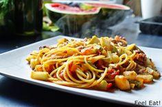 Feel Eat!: Lekkie spaghetti z cukinią i pomidorami