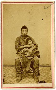 Us-caw-da-war-uxty (aka Medicine Antelope) and child - Pawnee - 1865