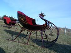 If we ever own a horse and live where it snows alot, I would love to own a cutter (two-seater sleigh) just like this one.