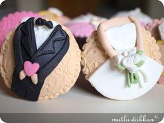 BEKARLIĞA VEDA CUPCAKE'LERİ | Mutlu Dükkan - Butik Kurabiye, Cupcake ve Pastalar