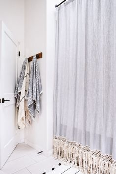 DIY Möbel / Wohnen It's been four years since Abe and I moved into our newly remodeled house and bel Extra Long Shower Curtain, Long Shower Curtains, Diy Curtains, Bohemian Shower Curtain, Lengthen Curtains, Fringe Curtains, Apartment Curtains, Curtains Walmart, Bohemian Curtains