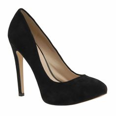 Black Pumps...A necessity in every girl's closet!