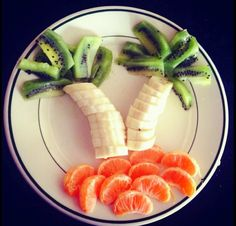 Alyson Hannigan's fun snack for kids: mandarin orange beach, banana palm trees, kiwi leaves