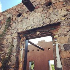 Figured door #setoncastle @academysantafe #newmexicotrue #architecture