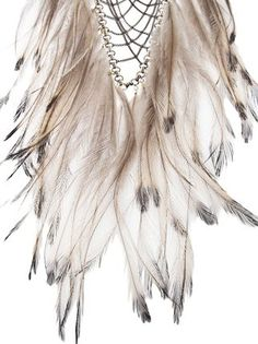 Feathers necklace in hippie boho bohemian gypsy style. For more followwww.pinterest.com/ninayayand stay positively #pinspired #pinspire @ninayay