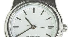 Como fechar uma pulseira de relógios Stuhrling. Muitos relógios da Stuhrling possuem uma pulseira de couro ou metal com um fecho de remanejamento. Esse tipo de fecho, também chamado de fecho dobrável, é um tipo de fivela que conecta as duas pontas da pulseira. Quando você o coloca, precisa afivelar a trava de segurança ou pressionar o fecho de pressão para deixar o relógio firme no braço. Para ...