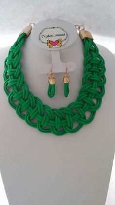 Celtic Knot Jewelry, Jewelry Knots, Jewellery, Knitted Necklace, Rope Necklace, Necklaces, Handmade Beaded Jewelry, Macrame Jewelry, Diy Crafts Jewelry
