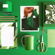 Graphic Designer • Visual Stylist • Lifestyle Blogger   NYC   Midwest   Who's ready for Fall? #green #design #notebook #details #decor #fashion #aishahollystyling #blogger #lifestyleblogger #entrepreneur #designbook #coloredpencil #propstylist #color #aesthetic #styling #style #pencil #palette #stationery #paper #prettypaper #gold #visual #visualart #inspiration #inspire #propstyling