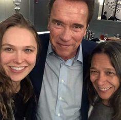 Ronda Rousey, Her Mom, Arnold Schwarzenegger Ronda Rousey, Arnold Schwarzenegger, Action, Mom, Stars, Group Action, Sterne, Mothers, Star